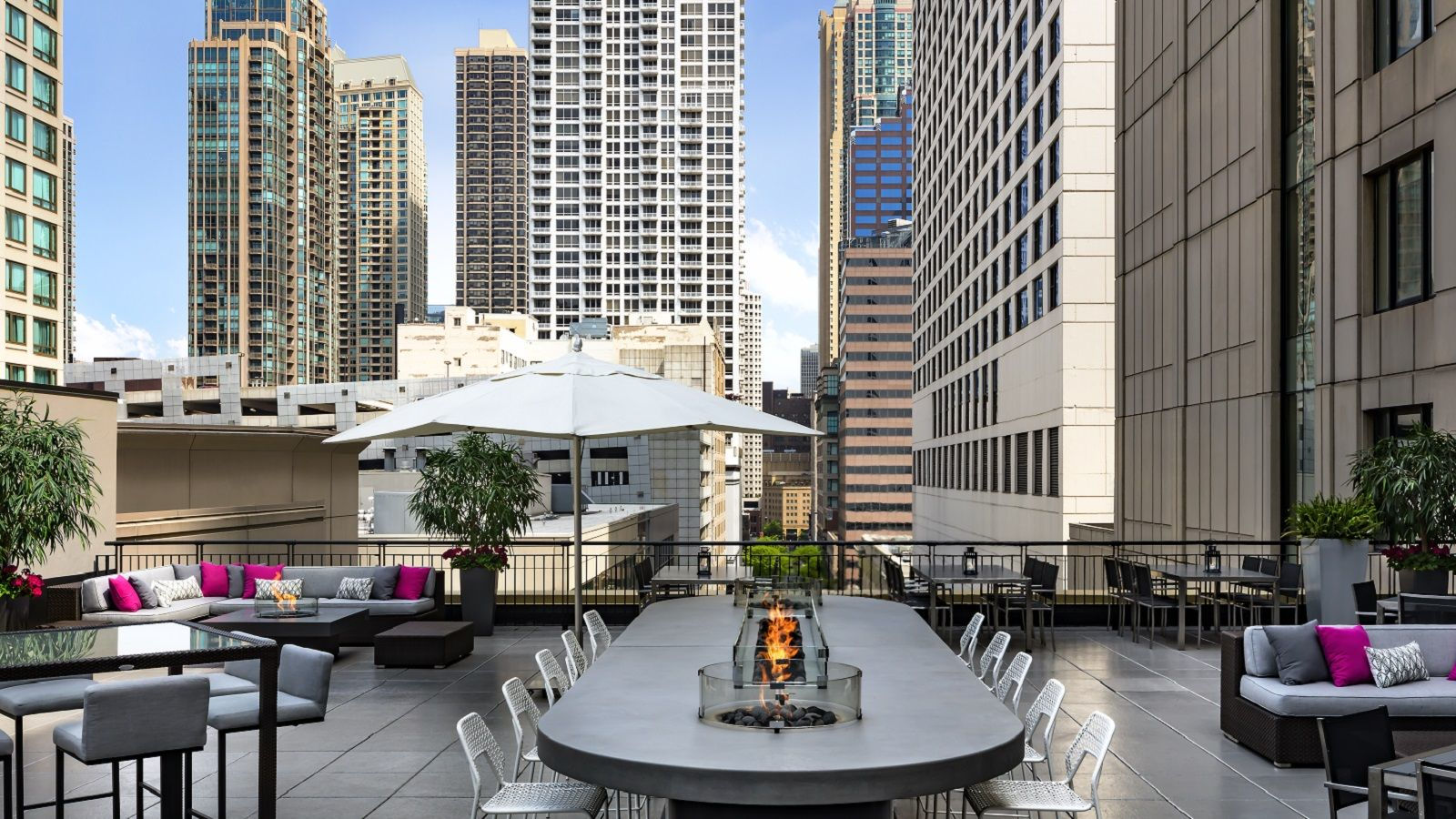 Chicago Hotel Features - DINING
